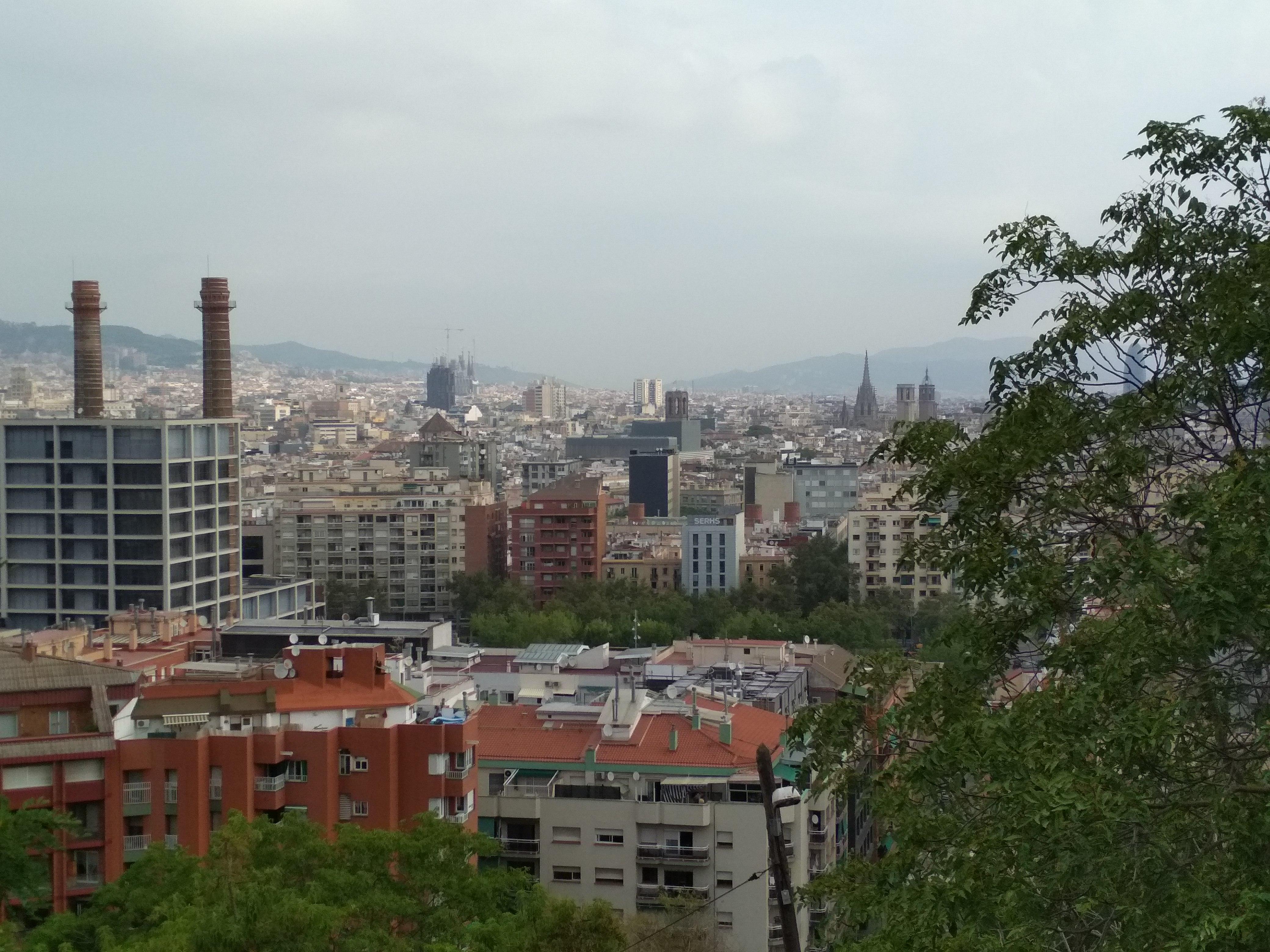 Монжуик - гора в Барселоне. Как добраться до горы Монжуик