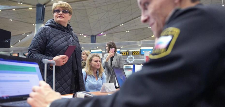 Первый раз в аэропорту: что делать шаг за шагом с фото